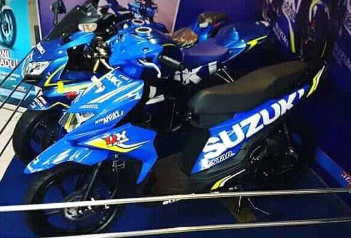 Suzuki Nex II dengan livery Suzuki Ecstar MotoGP