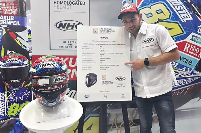 Helm NHK GP-R Tech resmi lolos FRHAP