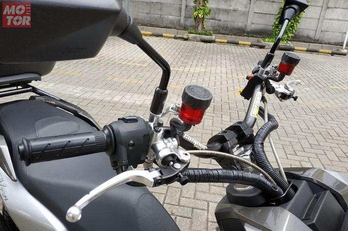 Tersedia juga raiser setang aftermarket untuk meninggikan posisi setang ADV150