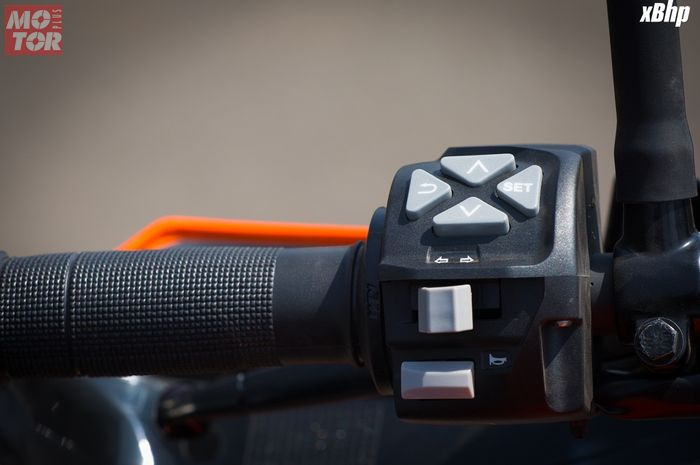 Ilustrasi saklar multifungsi KTM Duke 390, saklar moge banyak dipasang di motor matic