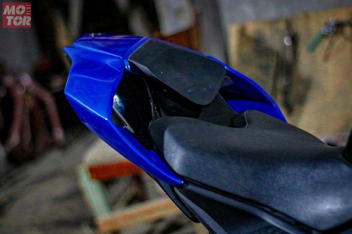 Dengan begini, body belakang Yamaha R15 jadi makin mirip R1 kan? Segini Banderolnya