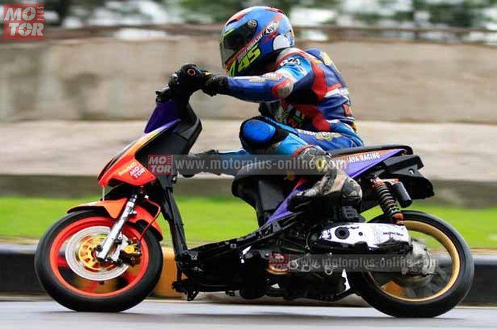 Makin banyak pilihan ban IRC balap untuk motor matic. Ilustrasi ban motor harian pakai soft compound