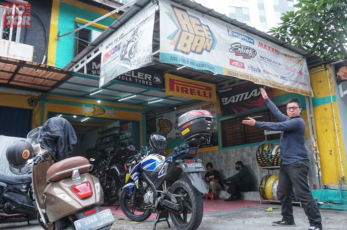 Toko Ree Ban Motor tawarkan beragam merek dan ukuran yang jarang