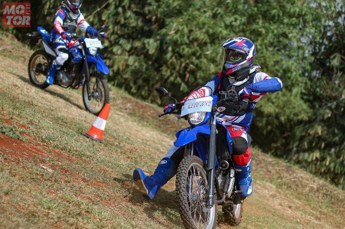 Dijamin lancar jaya, Yamaha bagikan tips riding off road buat penggemar adventure Tanah Air.