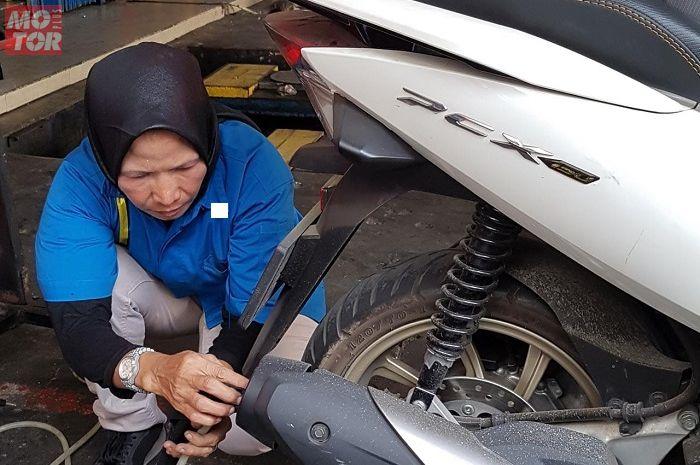 Jelang aturan uji emisi kendaraan bermotor, kira-kira knlapot motor diapain aja tuh?
