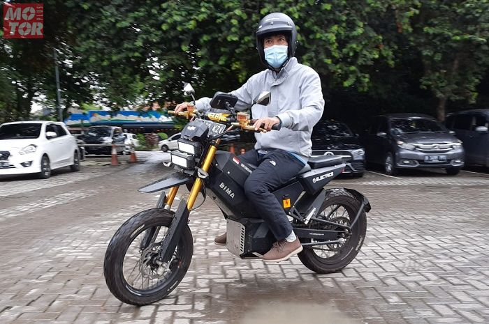 Masih prototipe, ini rasanya naik motor listrik trail pertama buatan Indonesia