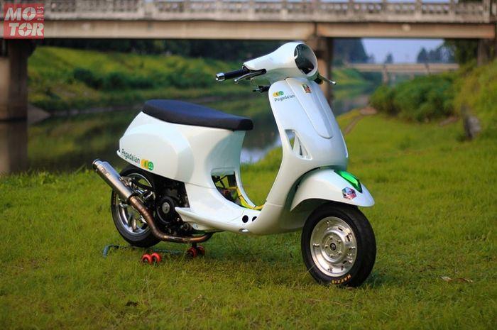 Modifikasi Vespa LX 125 jadi bengis, mesin 225 cc jawara drag race.