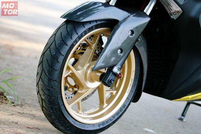 Ilustrasi Cat Pelek motor. Biayanya terjangkau mulai Rp 300 ribuan