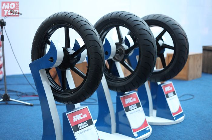IRC Tire RMC810 kategori ZR rating