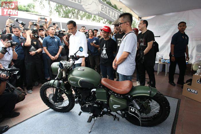 Presiden Joko Widodo Tengok Custom Bike Bobber Milik Anaknya