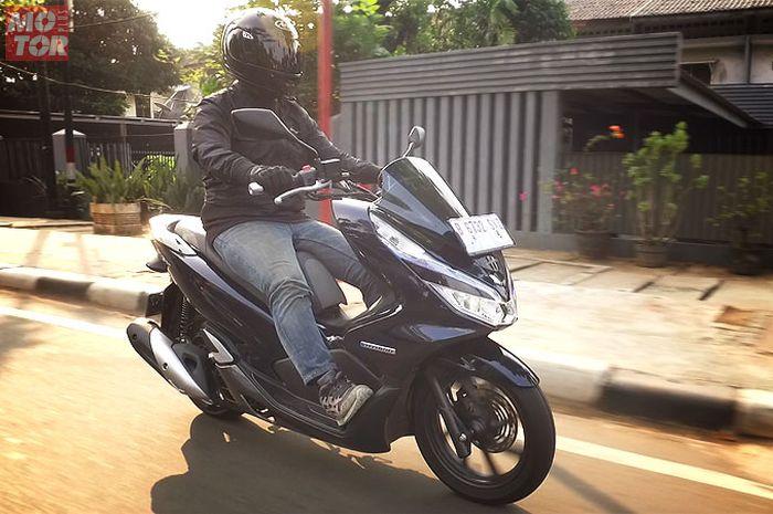 Honda PCX Hybrid punya karakter mirip dengan versi standar