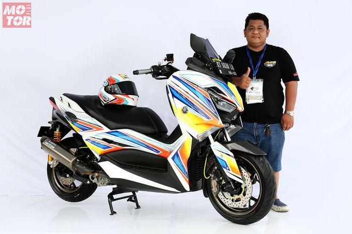 Yamaha XMAX 250 Grafis Helm Shoei B'Max Balikpapan