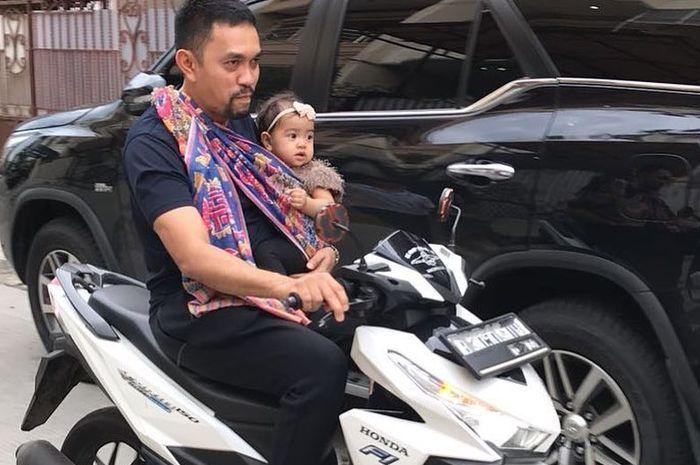 Ahmad Sahroni yang dikenalKetua Dewan Pembina Ferrari Owner Club Indonesia