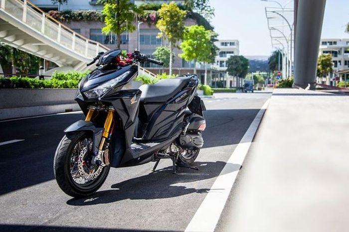 Honda Vario 125 modifikasi sok depan dan pelek jari-jari bikin beda