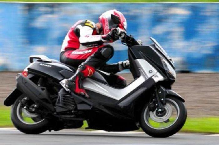 Ilustrasi testride Yamaha NMAX.
