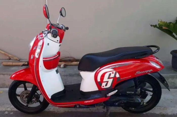 Ilustrasi Honda Scoopy 2016 merah