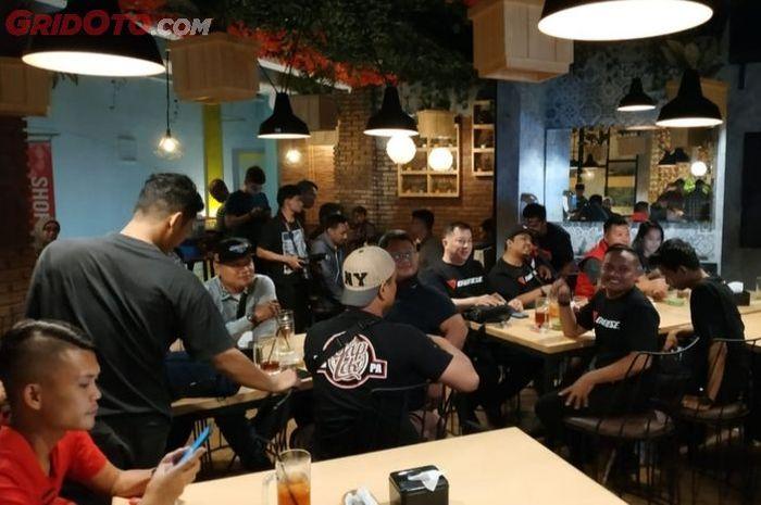 Suasana technical meeting grand final Customaxi Yamaha 2018/2019 di Cihampelas Walk,