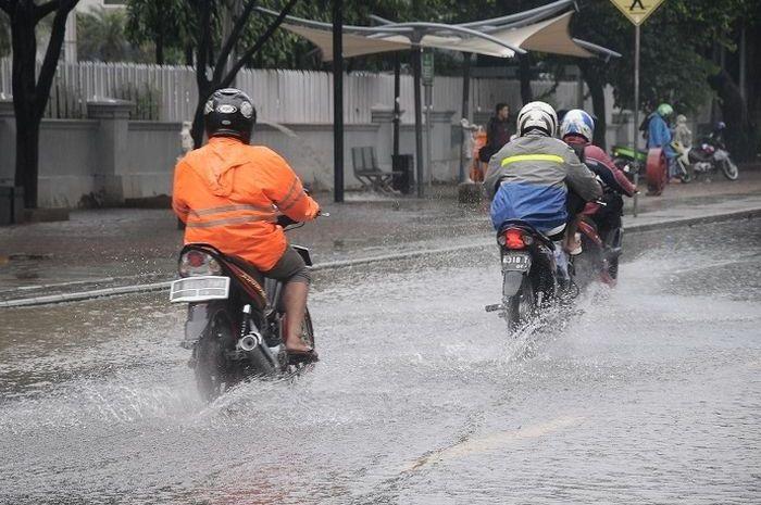 Sebelum beraktivitas, kenali titik rawan banjir di Jakarta.