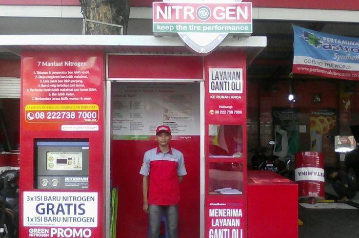 Ilustrasi tempat pengisian nitrogen.