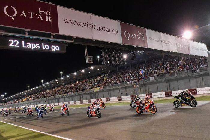 MotoGP Qatar identik digelar malam hari sejak 2008. Pertama kali jadi host MotoGP sejak 2004