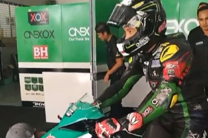 Wahyu Aji bergabung dengan tim ONEXOX TKKR SAG Racing Team