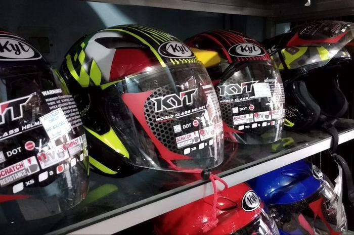 Helm yang sudah terjatuh berbahay bila dipakai lagi