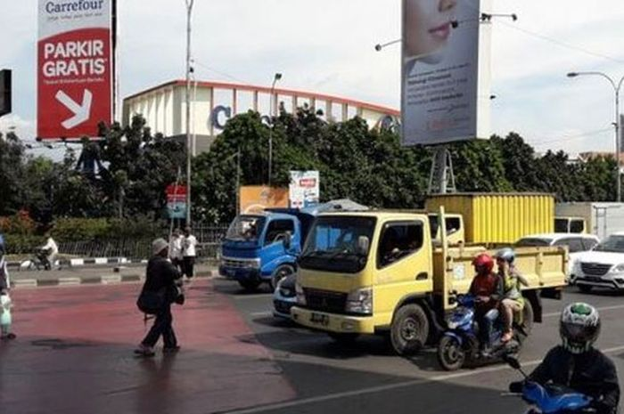 Lampu merah Samsat Kircon bikin kesal pengguna jalan