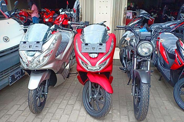 Honda PCX di dealer MPM Pinang Tangerang.