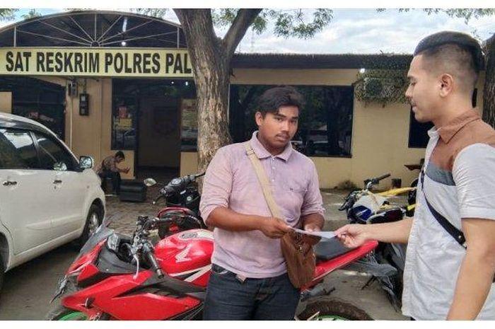 Polres Palu menyerahkan motor korban pencurian kendaraan bermotor