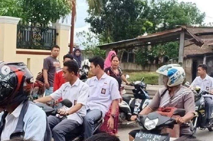 Konvoi kelulusan pelajar diwarnai insiden tabrak lari di Kabupaten Gowa.