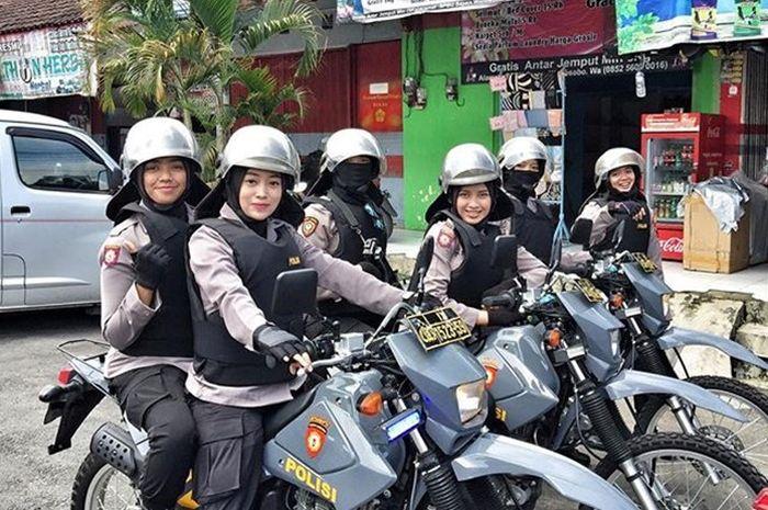 Polwan di Mojokerto patroli amankan Pemilu 2019