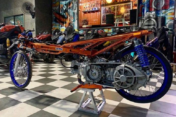 Yamaha XMAX 300 cc garapan Api Tech, Thailand.
