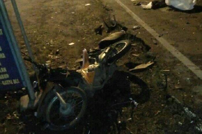 Kecelakaan menewaskan seorang PNS di Jombang.