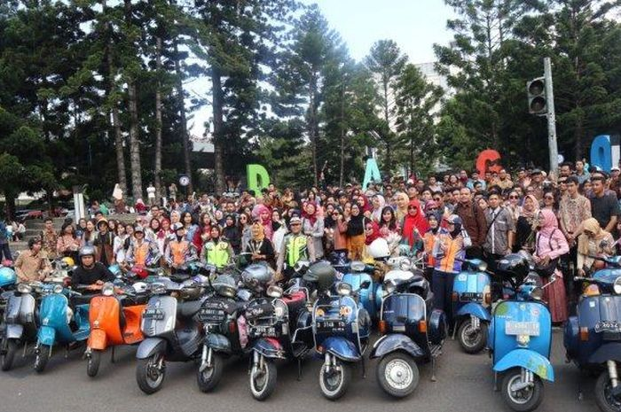 Puluhan wanita mengikuti Kartini Ride