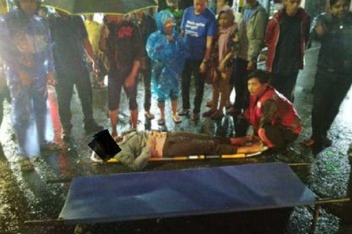 Dua pemotor ditabrak Toyota Agya di Malang, seorang meninggal dunia.