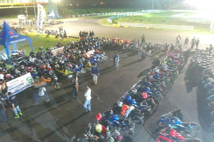 400 bikers Suzuki ramaikan gelaran Suzuki Saturday Night Ride di Surabaya