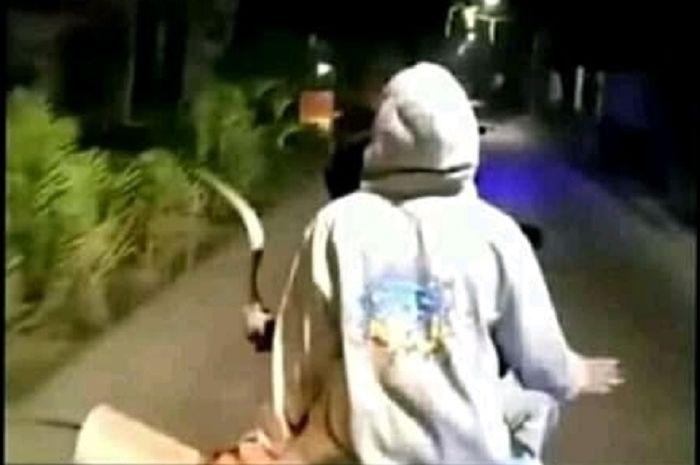 Geng motor yang sempat viral tebar ancaman di Tambun akhirnya diringkus polisi.