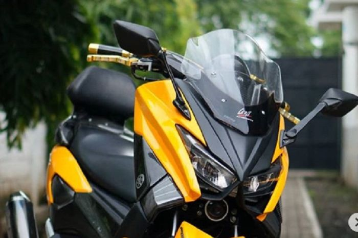 Yamaha NMAX modifikasi bikinan Lent Automodified.