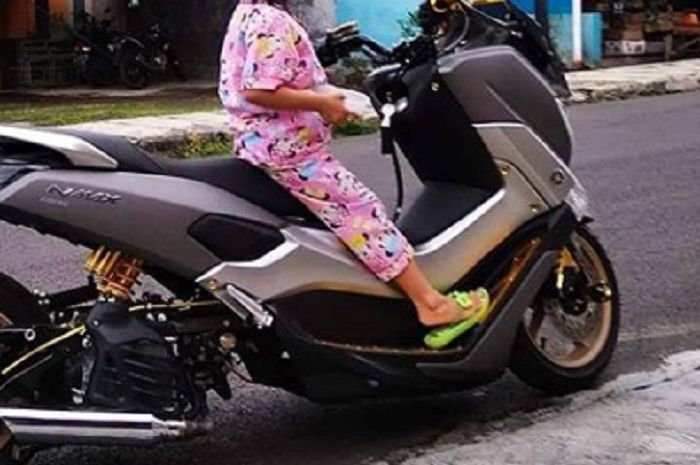 Yamaha NMAX low rider