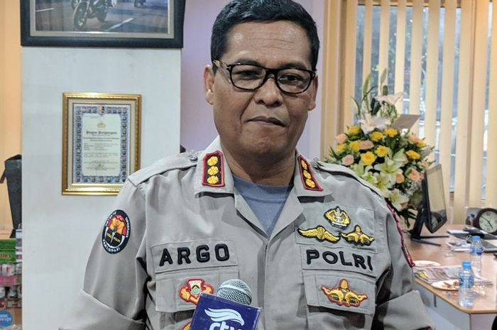 Kabid Humas Polda Metro Jaya Kombes Argo Yuwono saat memberi keterangan kepada wartawan di Jakarta, Selasa (2/4/2019).