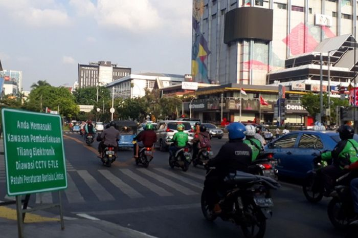 Polda Metro Jaya siap opeasikan kamera tilang elektronik untuk motor.