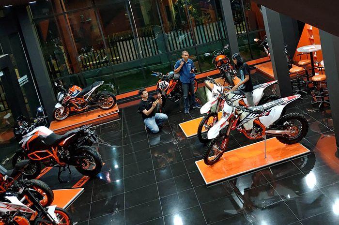 Showroom KTM di Pondok Indah, Jakarta Selatan