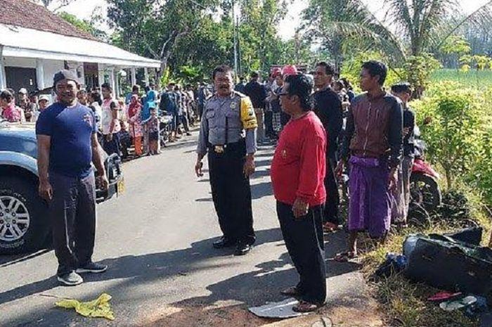 Kecelakaan di Jember melibatkan dua motor, empat orang meninggal dunia.