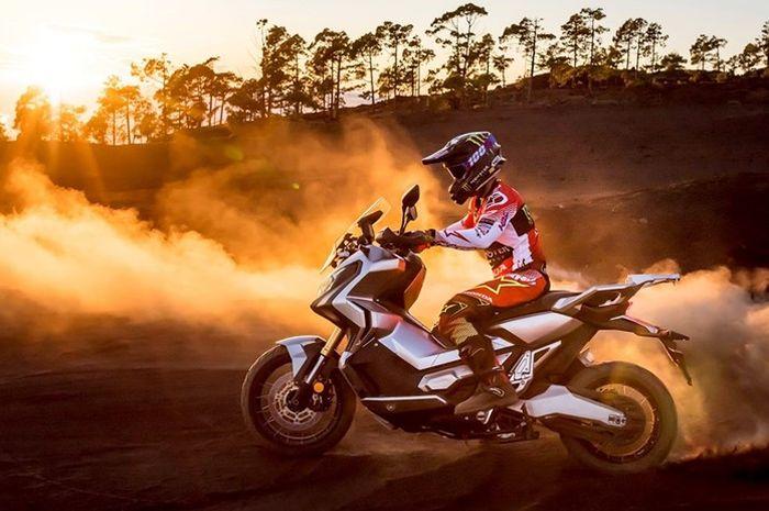 Honda X-ADV merupakan skuter gagah bergenre adventure