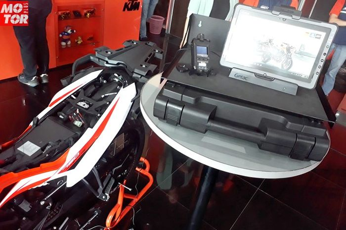 XC-2 Tools untuk servis motor KTM