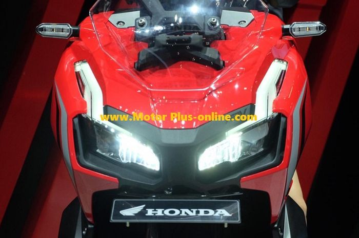 Headlamp Honda X-ADV 150.