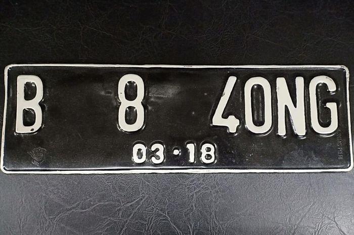 Ilustrasi. Pelat nomor cantik yang sudah dimodif jarak antar hurufnya. Aslinya tidak seperti ini.
