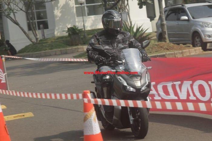 Tes ride Honda ADV 150.
