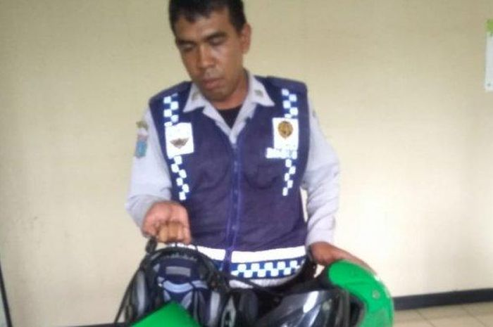 Lima helm driver ojol disita petugas Dishub Pasar Minggu