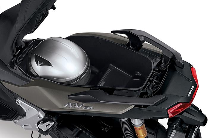 Bagasi Honda ADV 150 berkapasitas 28 liter